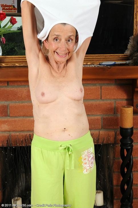 Clips de muestra de abuela desnudos gratis