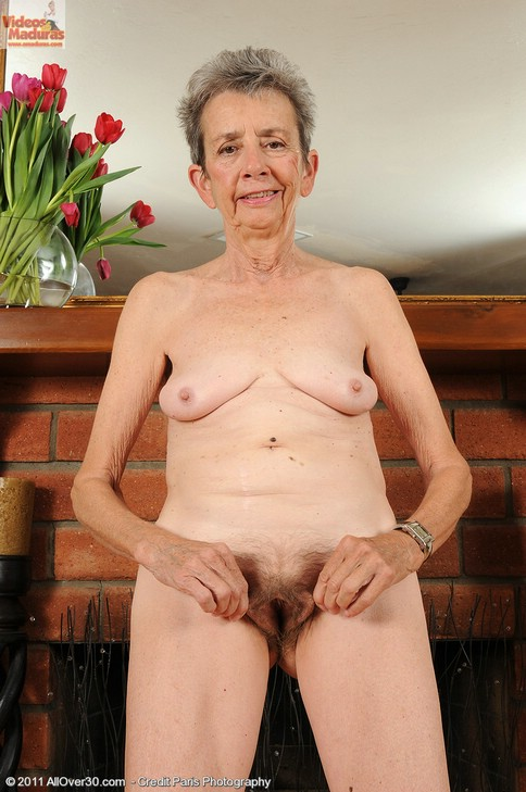 Abuela de 72 desnuda - 1 part 9