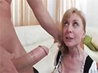 Pegandole una follada a la criada Nina Hartley