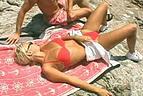 Trio con una guiri en Ibiza