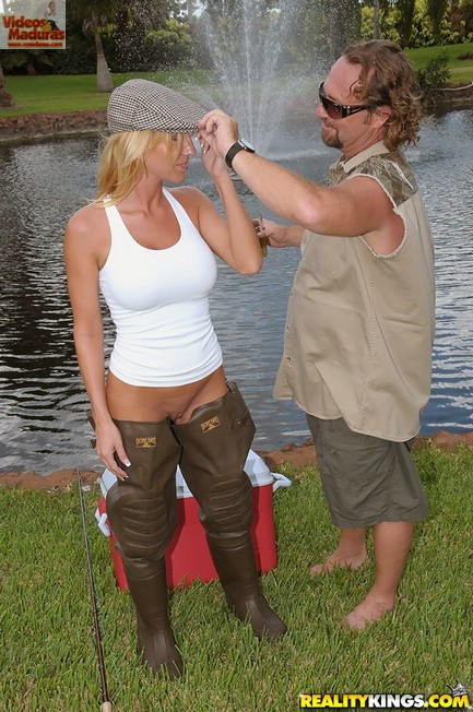 Pescando..... una linda milf