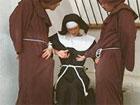 Monja puritana saltandose el voto de castidad