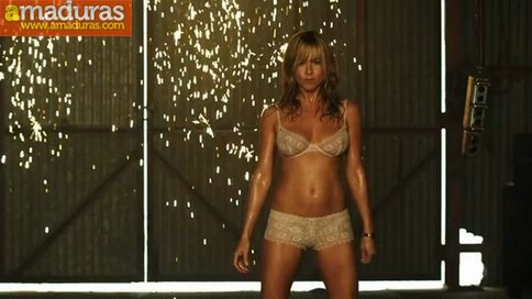 jennifer-aniston-02